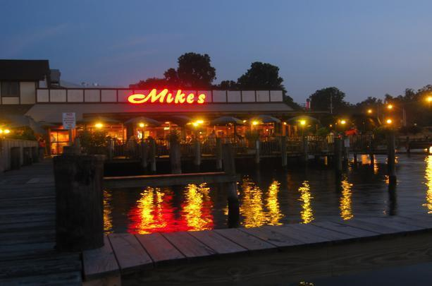 Mike's Restaurant & Crab House photo