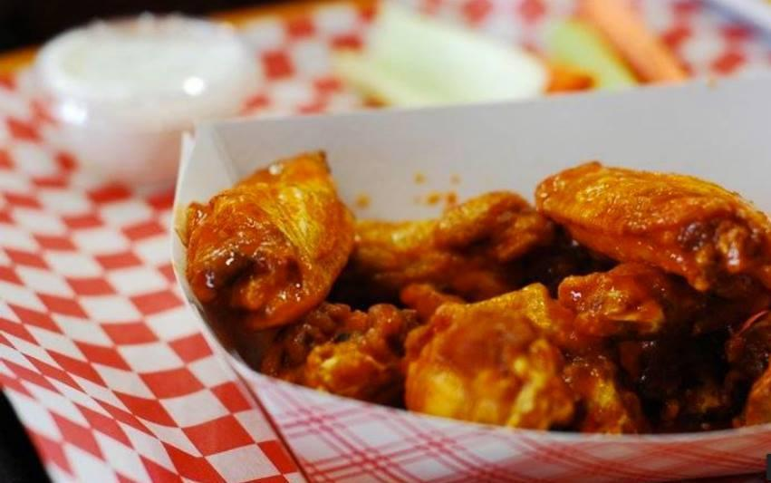 New Yorker's Buffalo Wings photo