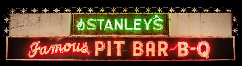 Stanley's Bar Bq Restaurant photo