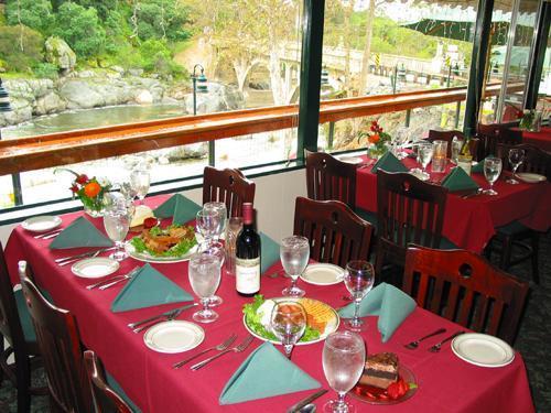Gateway Restaurant & Lodge photo