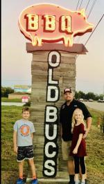 Old Bucs Barbecue - Manvel, TX